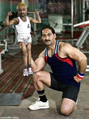 "Aditya ""Romeo"" Dev, the world's smallest bodybuilder"