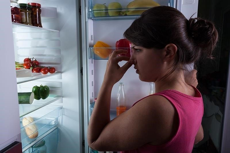 deoderize your fridge with apple cider vinegar